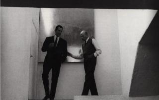 Legorreta y Luis Barragán en la casa de este útlimo. Fotografía Fulvio Roiter.